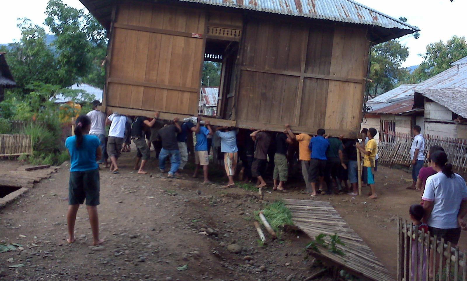 Image : Membangun Desa Lewat Gotong Royong